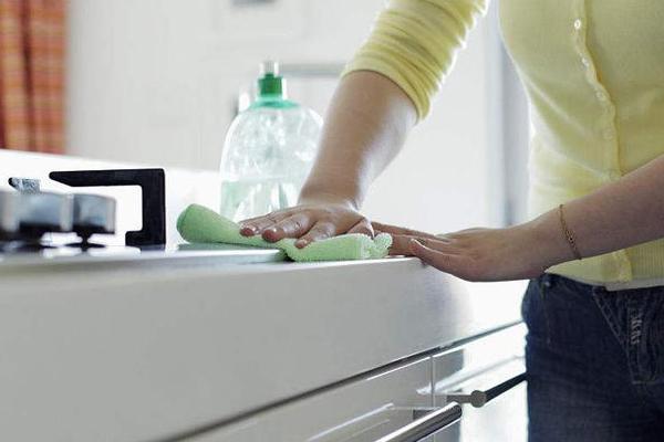 厨房怎么清理油污 省心又不费力的清洁招数