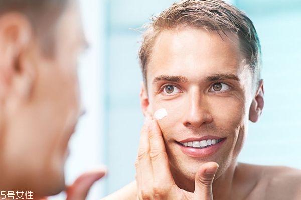 男士护肤品什么好 男士护肤品使用步骤