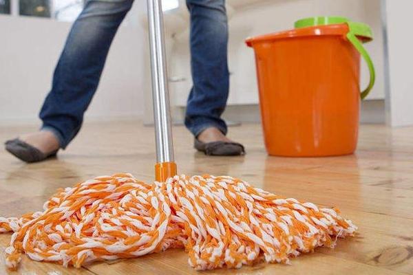 实木地板多久打蜡一次 1年2次