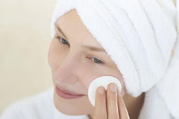 敏感肌冬天用什么补水 冬季敏感肌水乳推荐