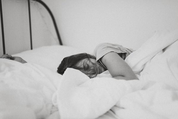 晚上怎么才能睡得好 4个小动作加速入睡