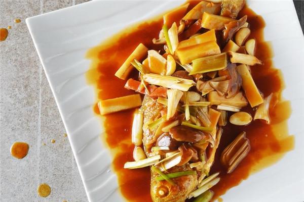 红烧黄鱼的家常做法 名厨教你简单做
