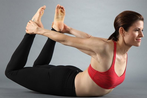 背肌怎么练最快图解 4招练出完美背肌
