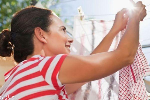 衣服上的血迹怎么洗掉 洗已经干了的血迹怎么洗掉