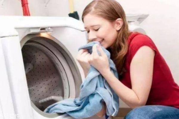 发黄衬衣怎么洗 教你两招让你穿上干净白衬衣