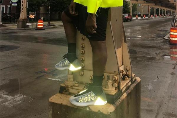 yeezy篮球鞋什么时候发售 拉风夜光设计
