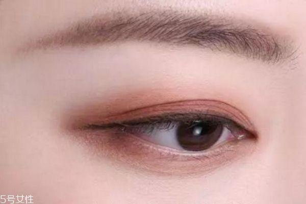 奶茶豆沙色眼影怎么画 奶茶豆沙色眼影教程