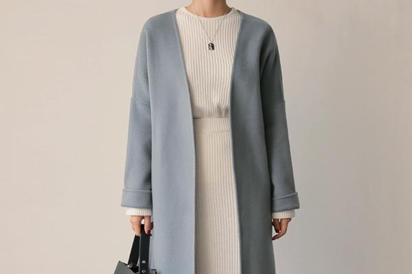 大衣和针织长裙怎么搭配 大衣和针织长裙搭配方法