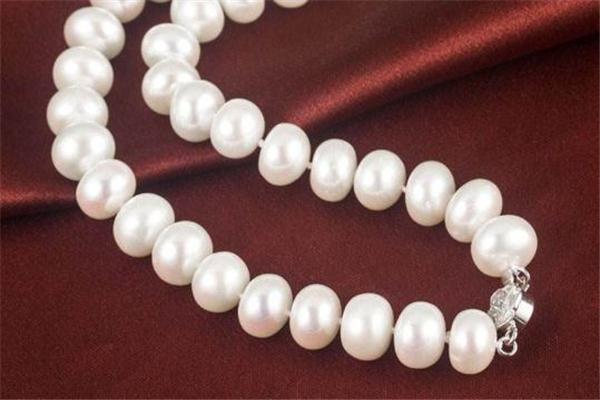 太湖珍珠项链价格 大多在几千元