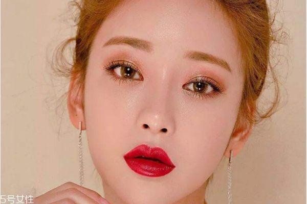 韩式暖冬妆容教程 含蓄烟熏眼妆教程