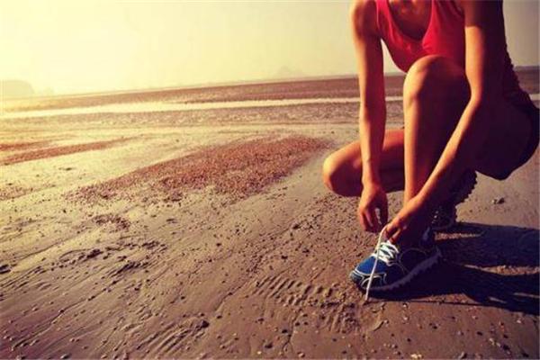 马拉松跑完如何恢复 注意拉伸和按摩