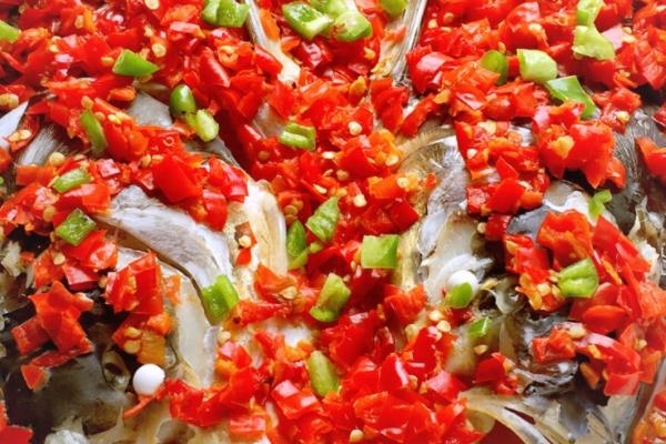 剁椒鱼头用什么鱼 胖头鱼最佳
