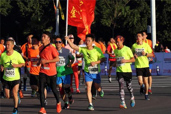 跑马拉松可以带手机吗 看个人需求