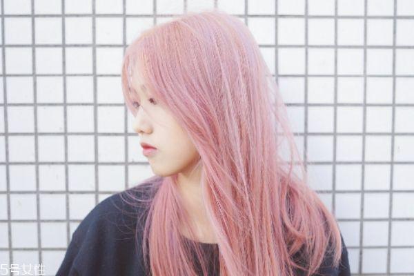 粉色头发要漂到几度 粉色头发要漂吗