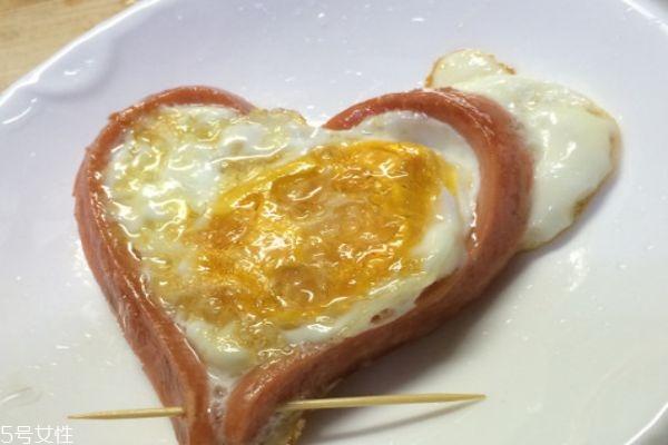 爱心鸡蛋怎么煎 教你做出爱心早餐