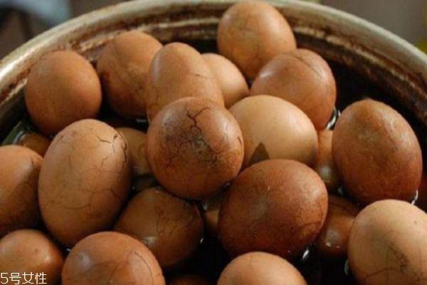 荷包蛋和水煮蛋哪个更有营养 水煮蛋营养价值更高