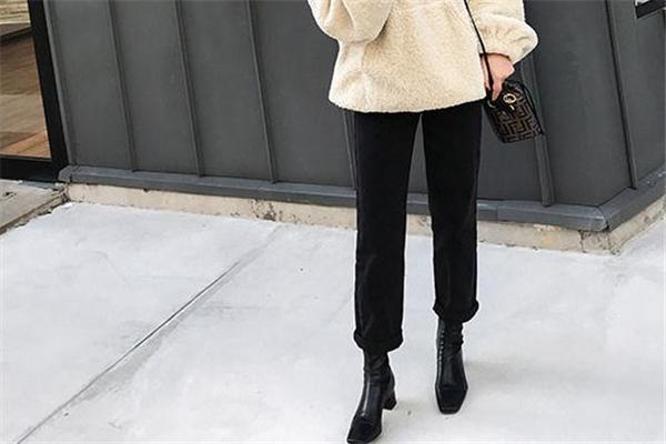 靴子会越穿越大吗 和皮质有关
