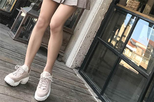 内增高鞋的危害 不要长期穿