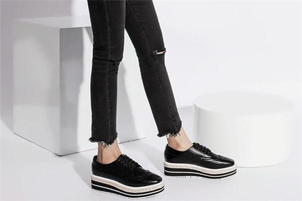 松糕鞋的危害 穿松糕鞋有哪些危害 这些坏处要当心
