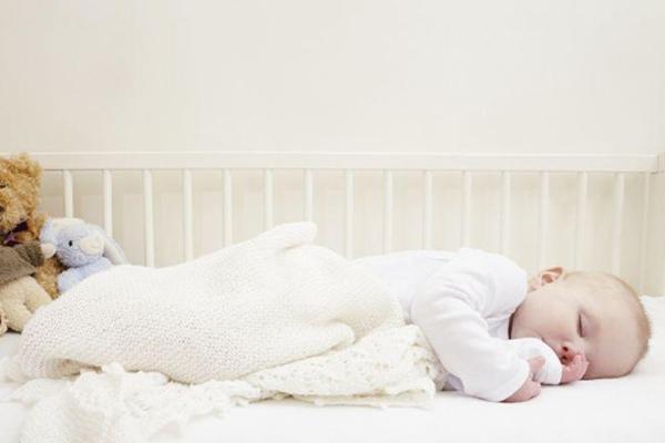 宝宝夜哭怎么办 改善夜哭的方法