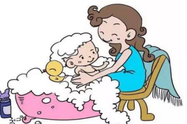 给宝宝洗头的正确姿势 给宝宝洗头的步骤