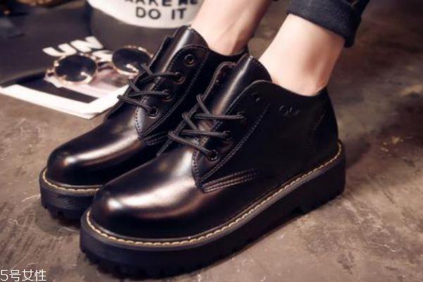 马丁靴皮裂了怎么办 3招让你的鞋子焕然一新