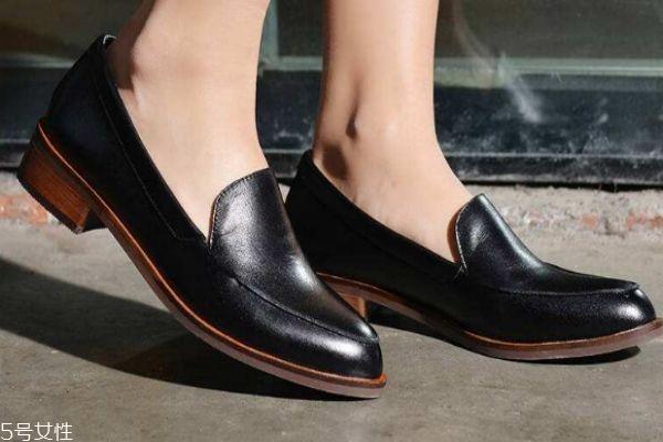 皮鞋变硬怎么办 6招让你的鞋子软起来