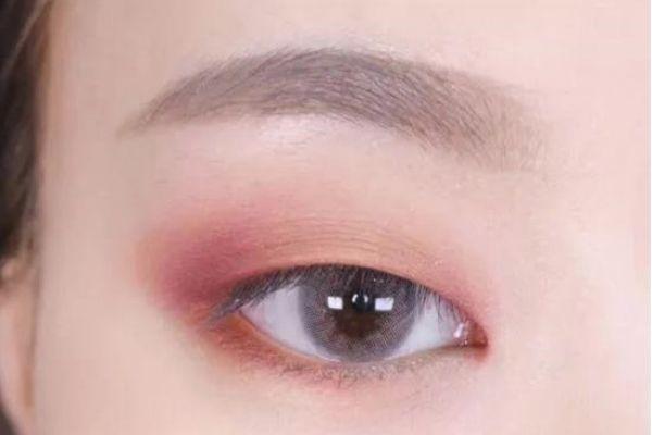单眼皮红色眼影怎么画 拯救你的单眼皮