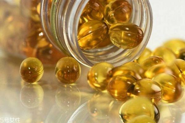鱼肝油能和钙一起吃吗 可以帮助钙质吸收