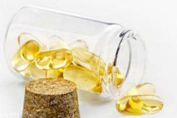 宝宝感冒了能吃鱼肝油吗 宝宝为什么要补充鱼肝油