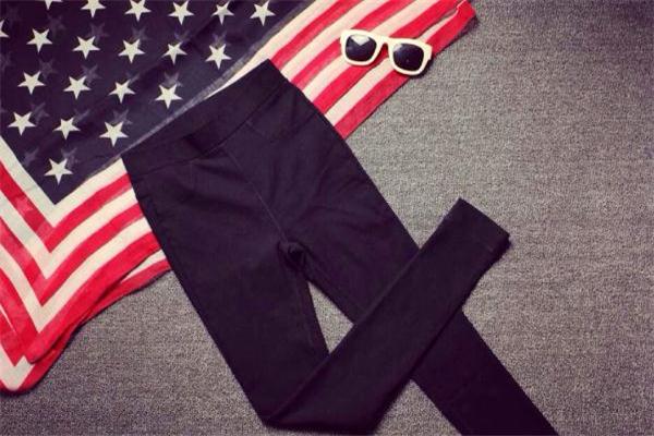 打底裤可以当秋裤穿吗 面料很重要