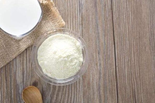 奶粉是什么做的 羊奶牛奶是原料