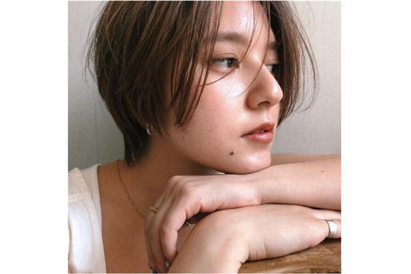 温柔短发女图片 20款温柔的短发图片