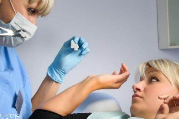 生理期能拔牙吗 女性在生理期可以洗牙吗