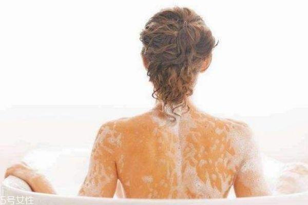 为什么背部会长痘痘 后背痘痘怎么快速去除