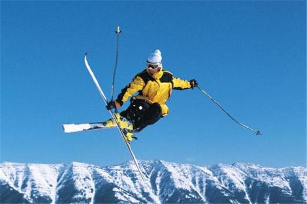 滑雪服可以平时穿吗 冬季抗寒神器