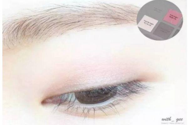肿眼泡如何画眼妆图解图片