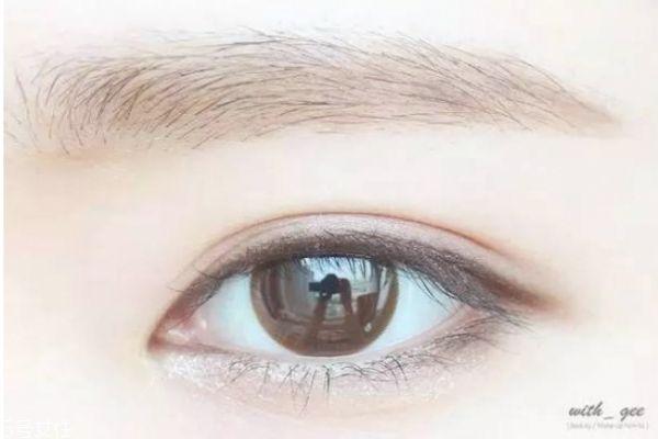 肿眼泡如何画眼妆视频图片