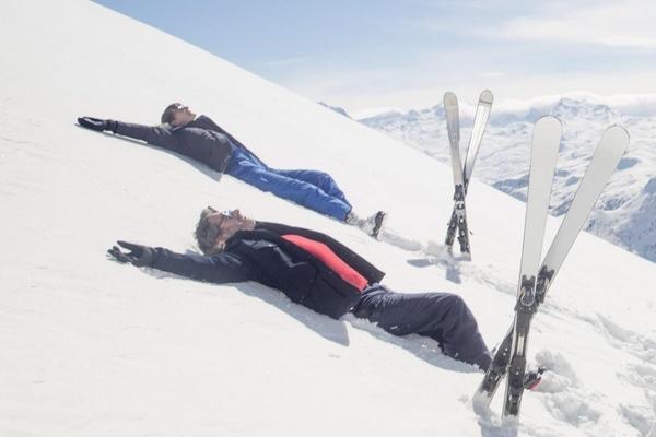滑雪是穿自己的鞋吗 必须要换上滑雪鞋