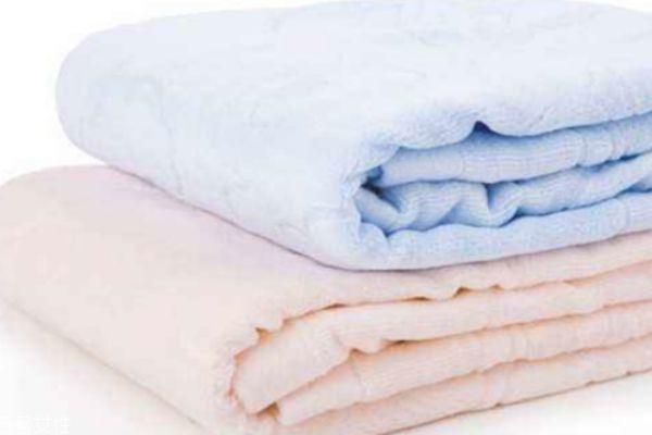 毛巾被上的霉点怎么洗 如何防止发霉