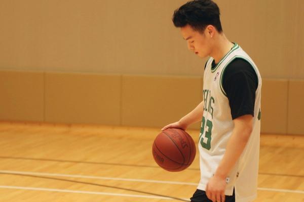 打篮球能瘦腿吗 有这个可能