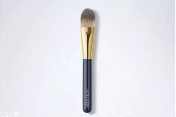常用的化妆工具有哪些 哪些刷子是必备
