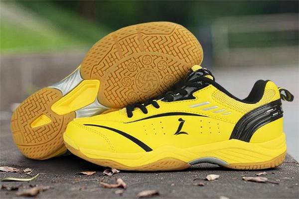 羽毛球鞋能打乒乓球吗 会影响灵活性