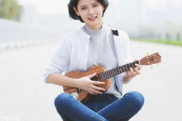 尤克里里和吉他的区别 尤克里里适合多大孩子学