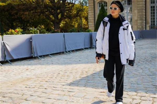 黑色贝雷帽配什么衣服 帅气复古随意切换