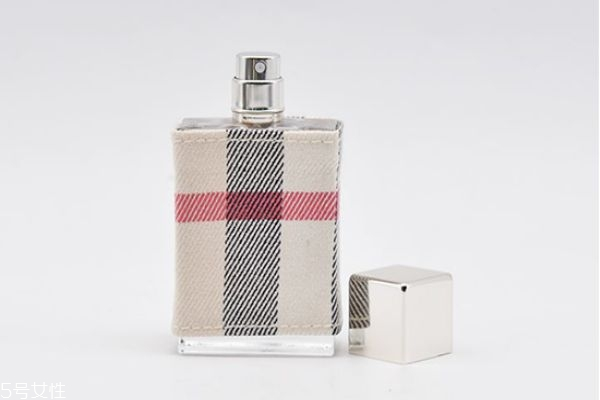 伦敦女士香水是什么味道 巴宝莉伦敦女士香水适合年龄
