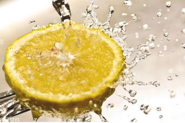 用什么敷脸可以补水 肌肤补水的最好方法
