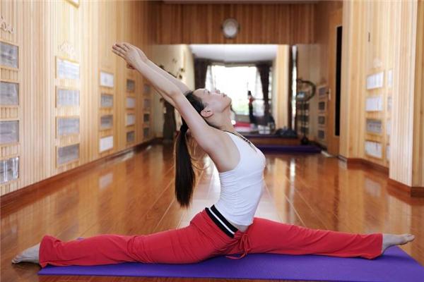高温瑜伽适合什么季节 秋冬练更好