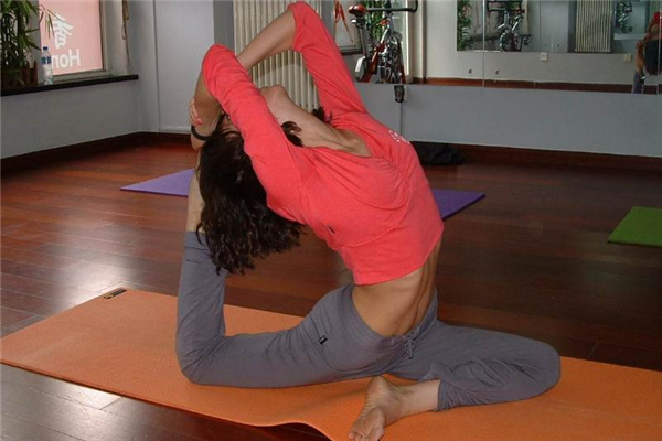 高温瑜伽有冥想吗 帮助放松身心