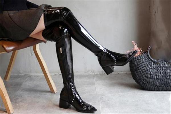 过膝靴怎么穿显瘦 避开这几个雷区